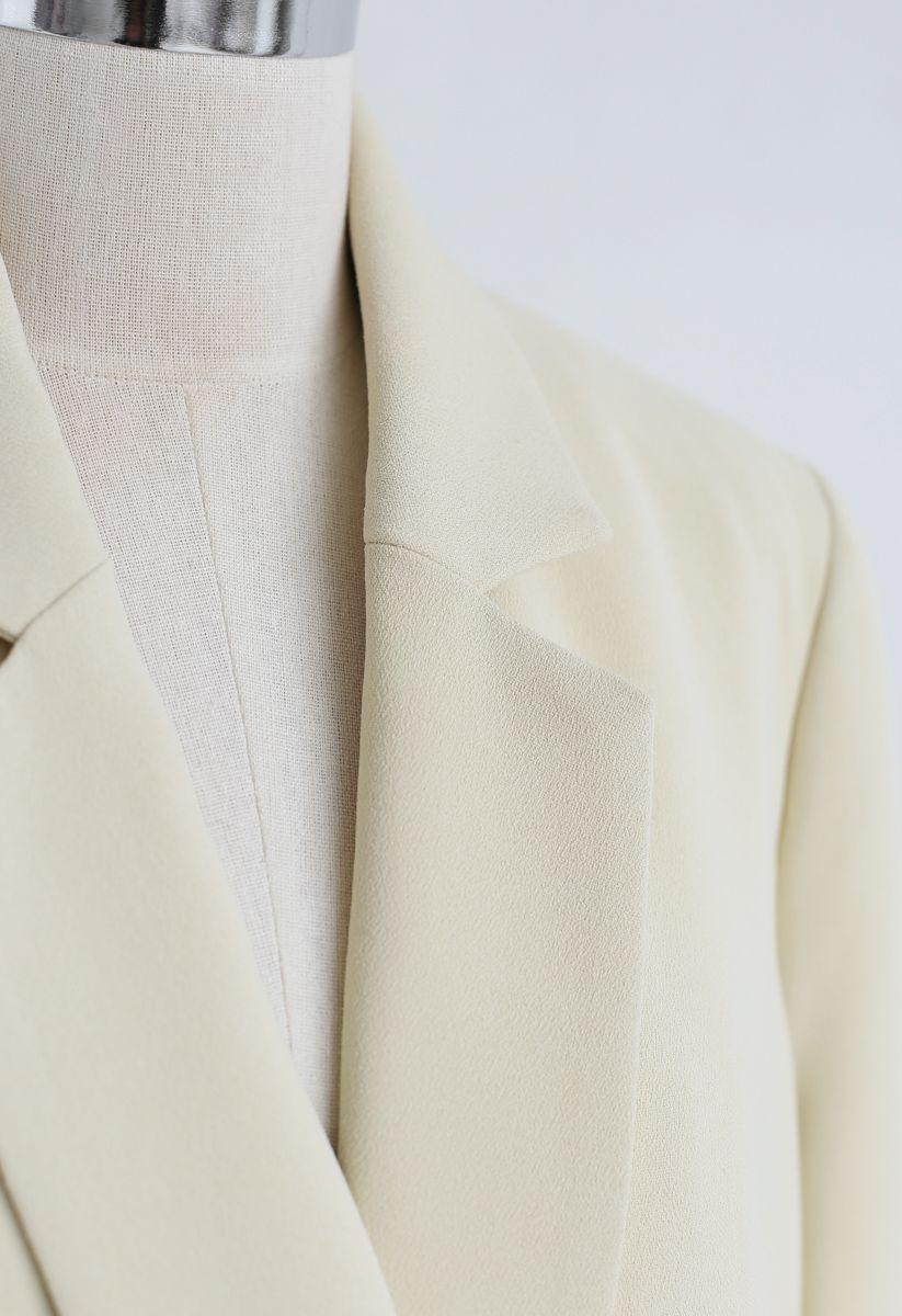 Shell Buttons Pocket Blazer in Cream