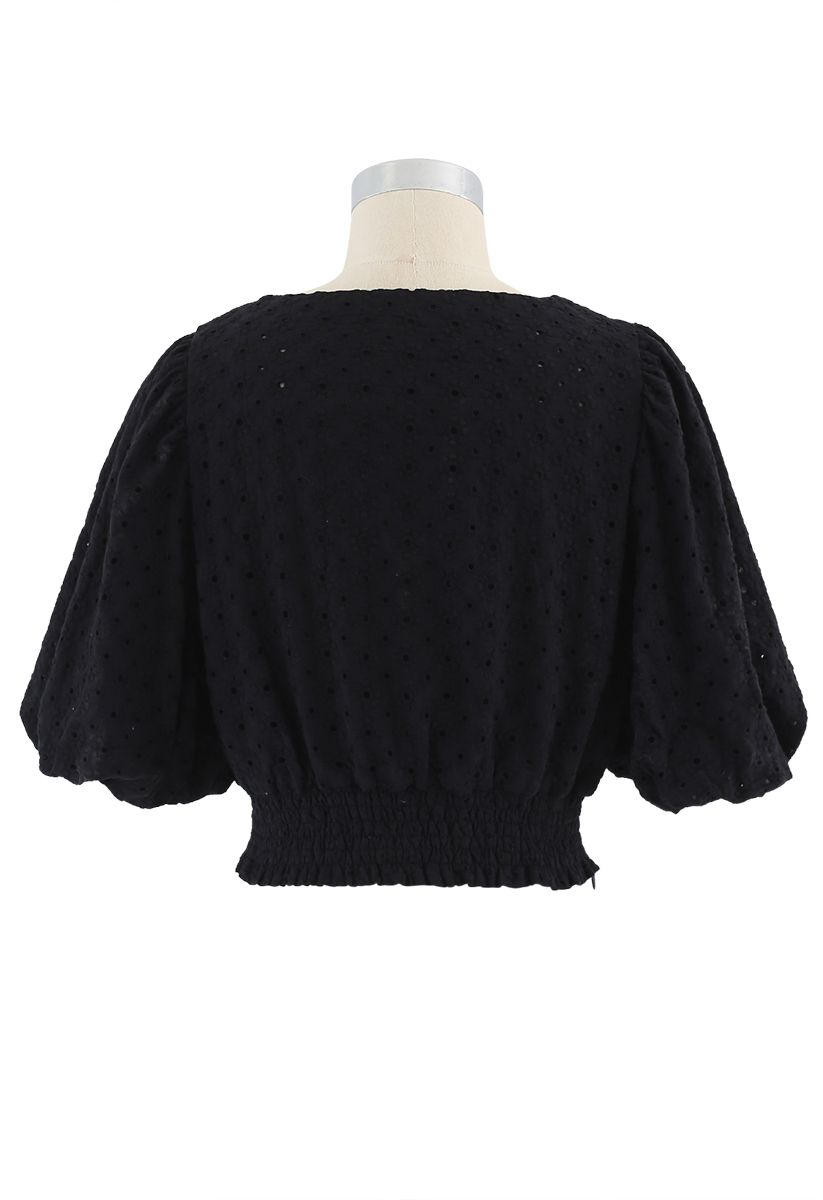 Sweetheart Floral Embroidery Puff-Sleeved Crop Top in Black