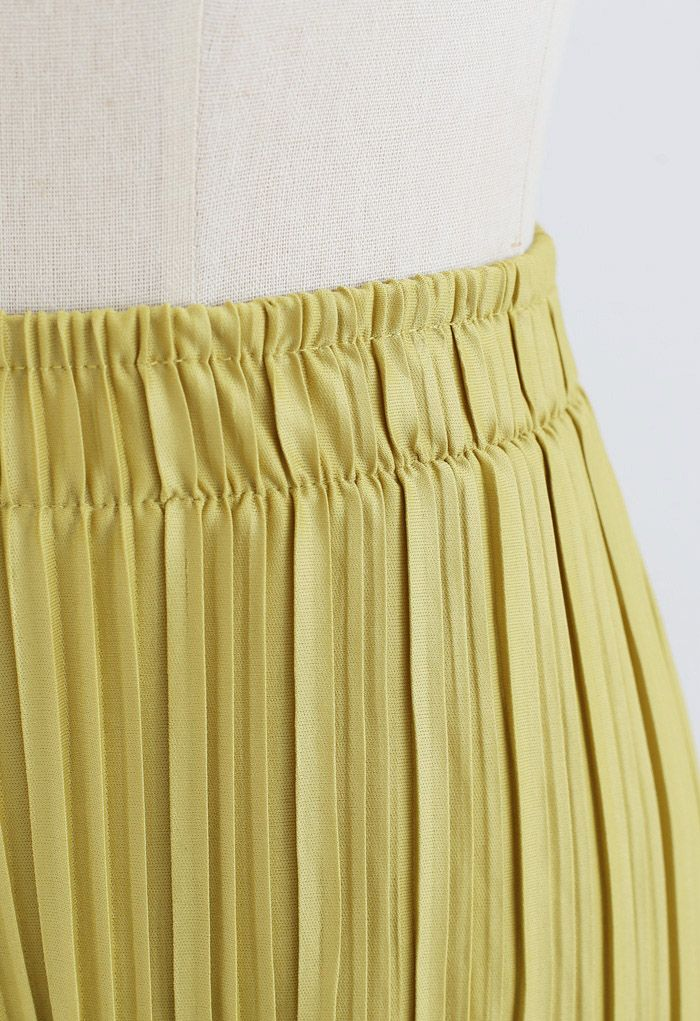 Full Pleated Two-Piece Shorts and Pants in Mustard