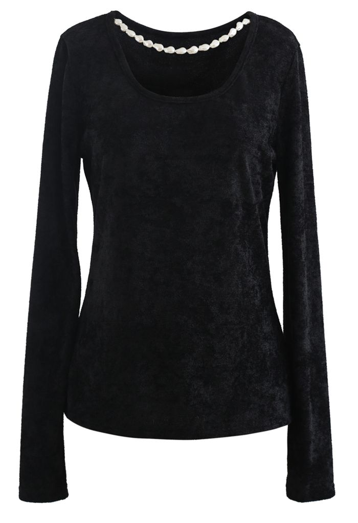 Necklace Fuzzy Long-Sleeve Top in Black