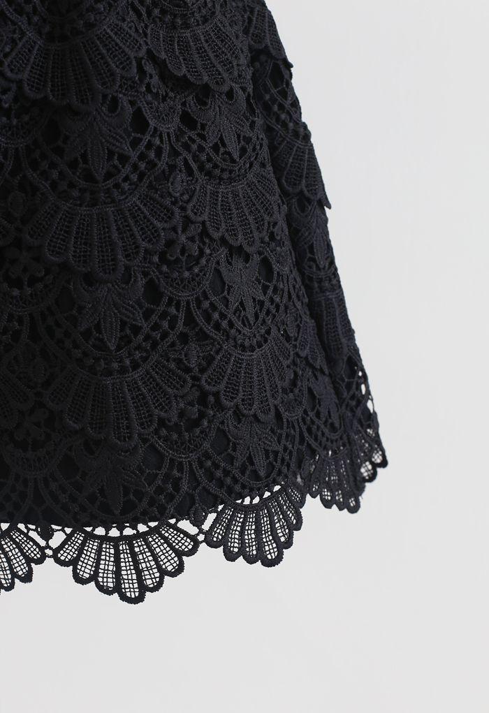 Scallop Crochet Overlay Shorts in Black