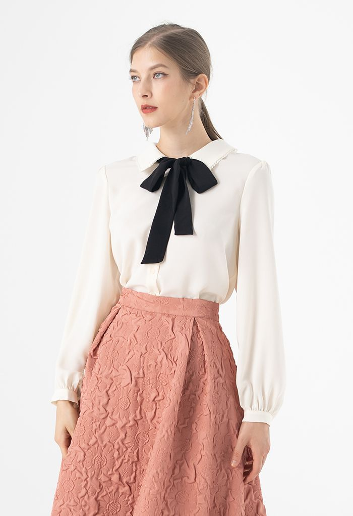 Pussy-Bow Lacey Neck Buttoned Shirt