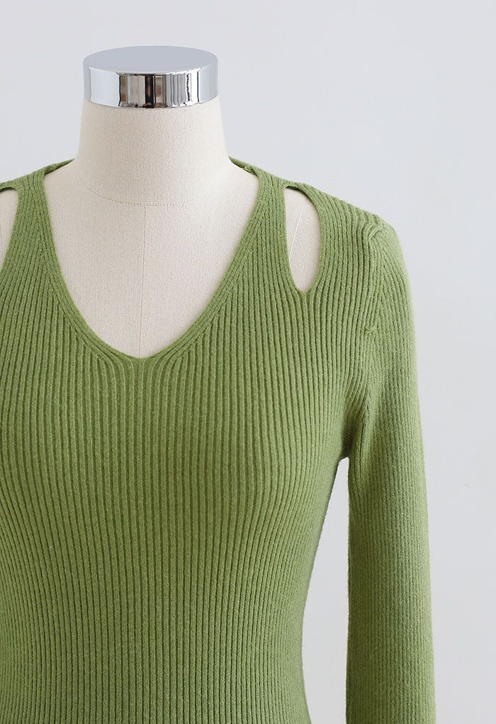 Cut Out Shoulder Fitted Knit Top in Green