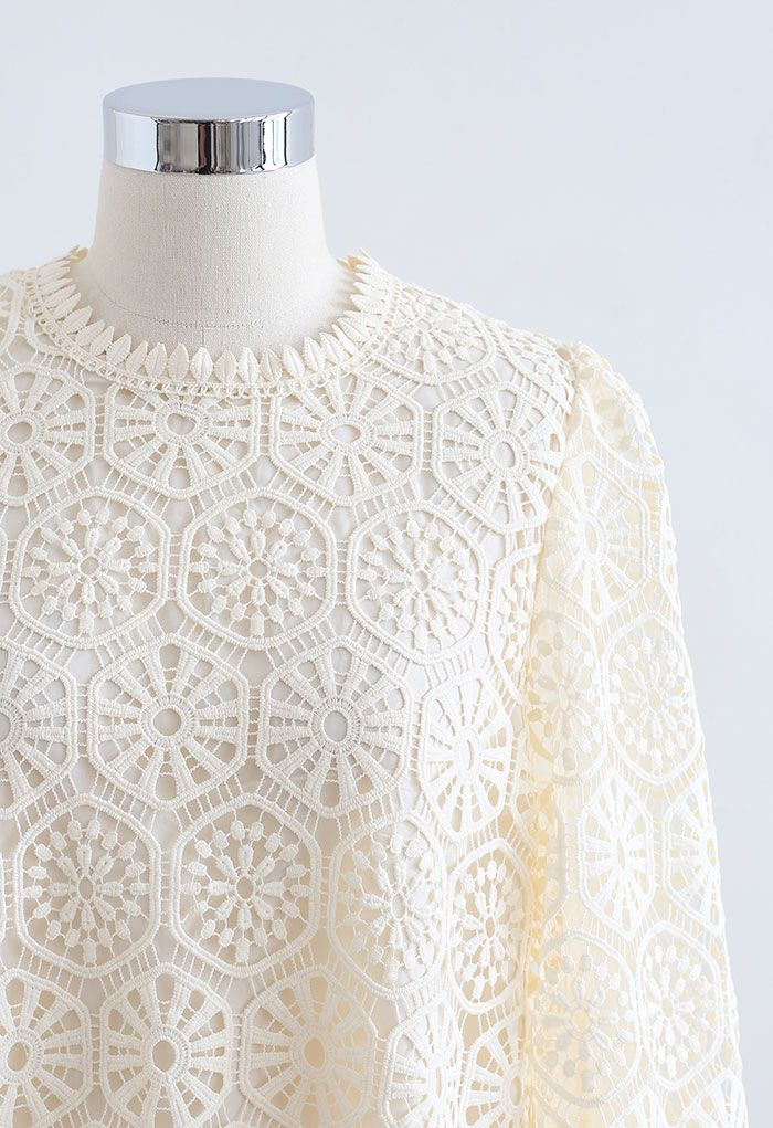 Geometric Crochet Mesh Sleeve Top in Cream