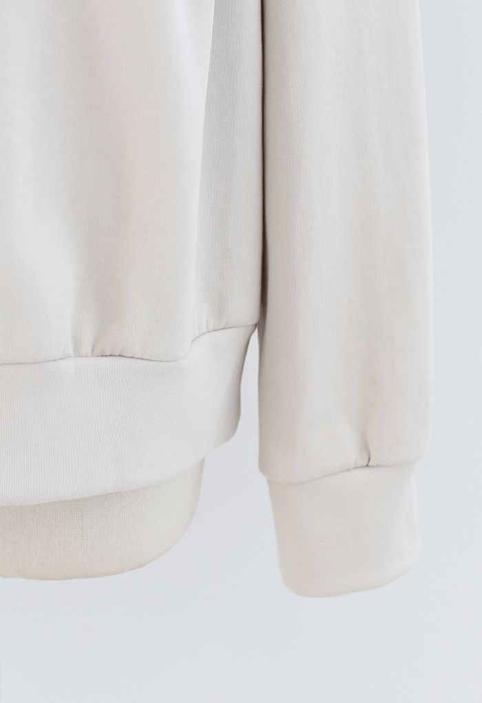 Padded Shoulder Long Sleeves Sweatshirt in Ivory