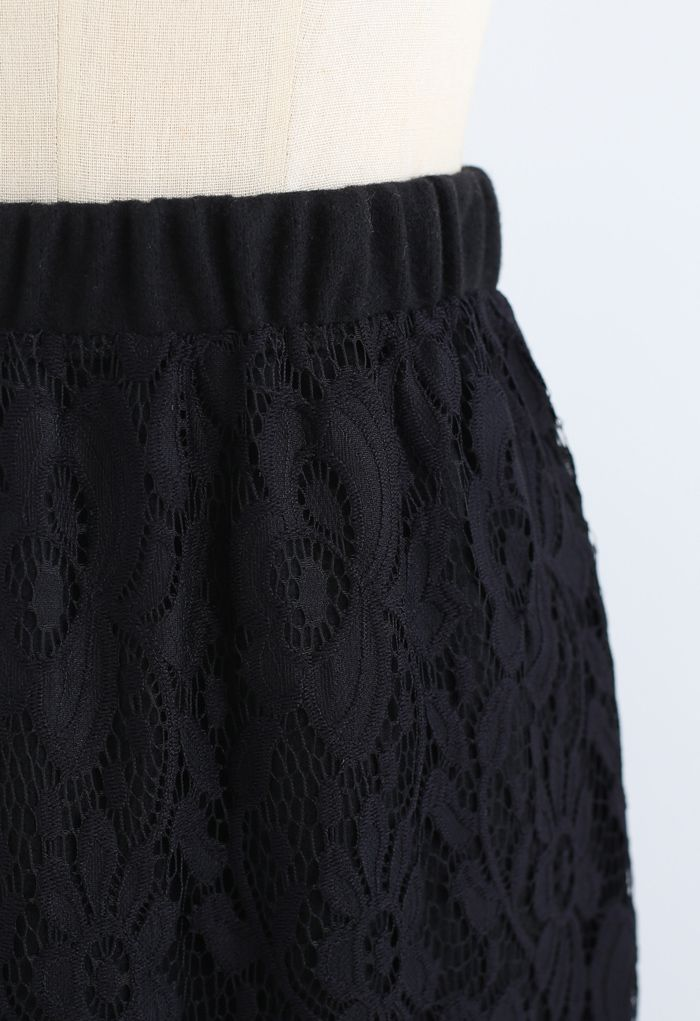 Reversible Soft Knit Lace Midi Skirt in Black