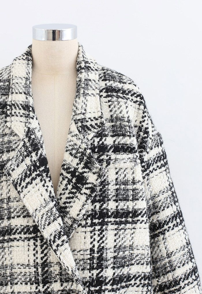 Contrasted Color Double-Breasted Tweed Coat in Ivory