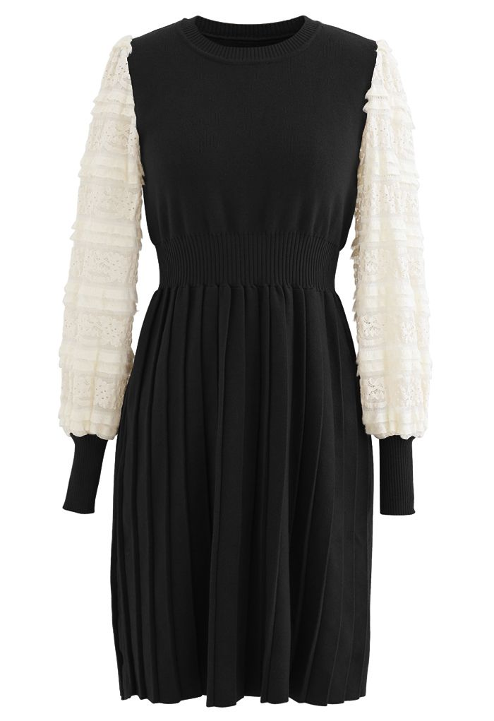 Spliced Lace Sleeves Pleated Knit Dress in Black