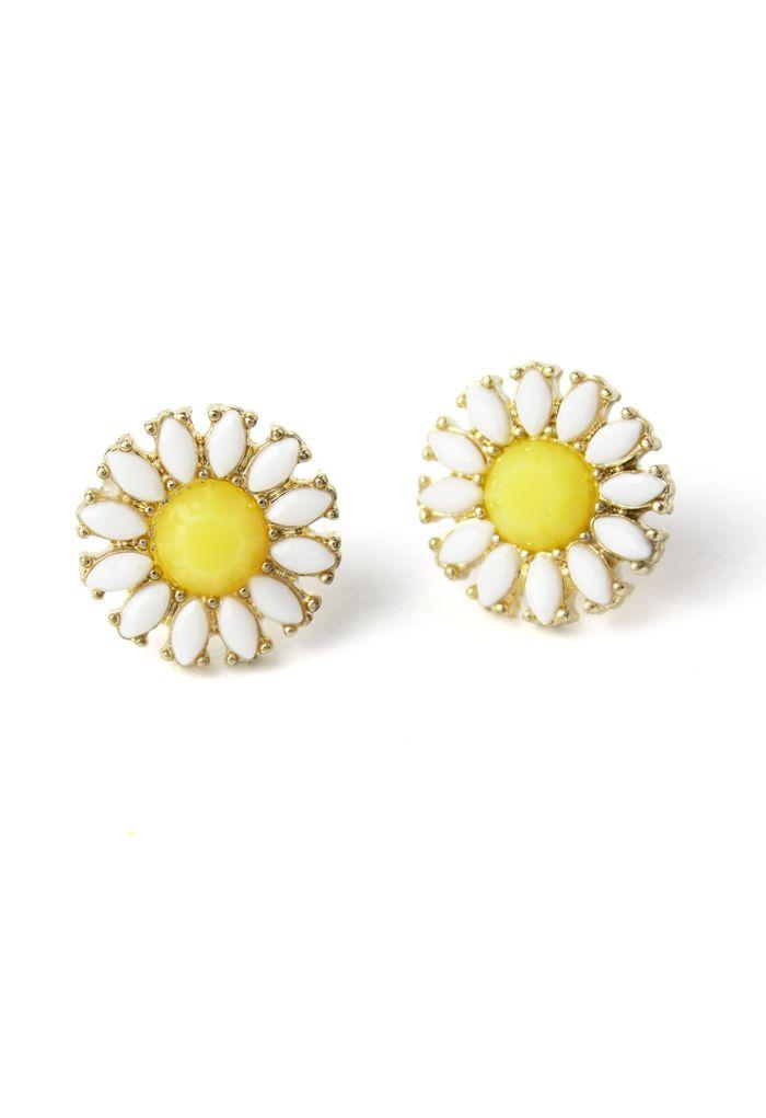 Cheerful Daisy Beads Stud Earrings