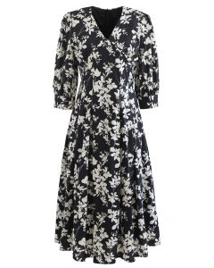 V-Neck Pleated Leaves Print Midi Dress in Black