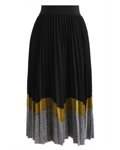 Between Us Pleated Midi Skirt in Black
