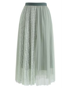 Lace Splicing Tulle Mesh Skirt in Mint